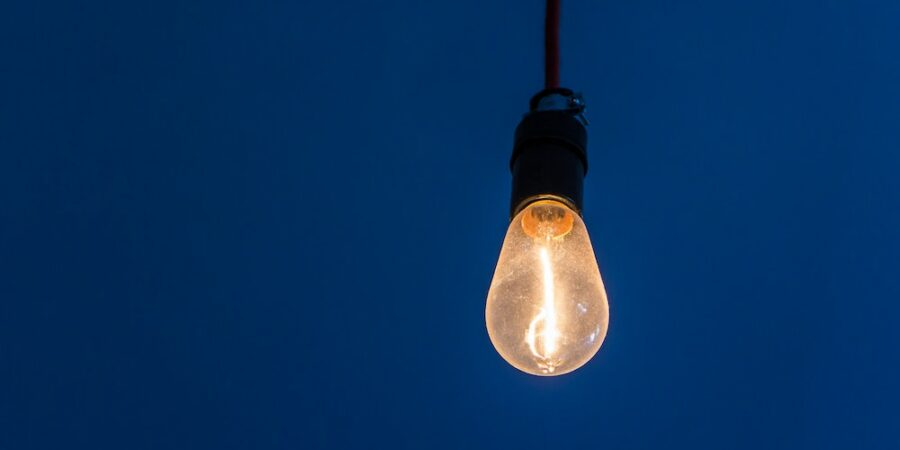From brainwave to bullet-proof idea: refining your thinking with the Intelligent Idea Cycle